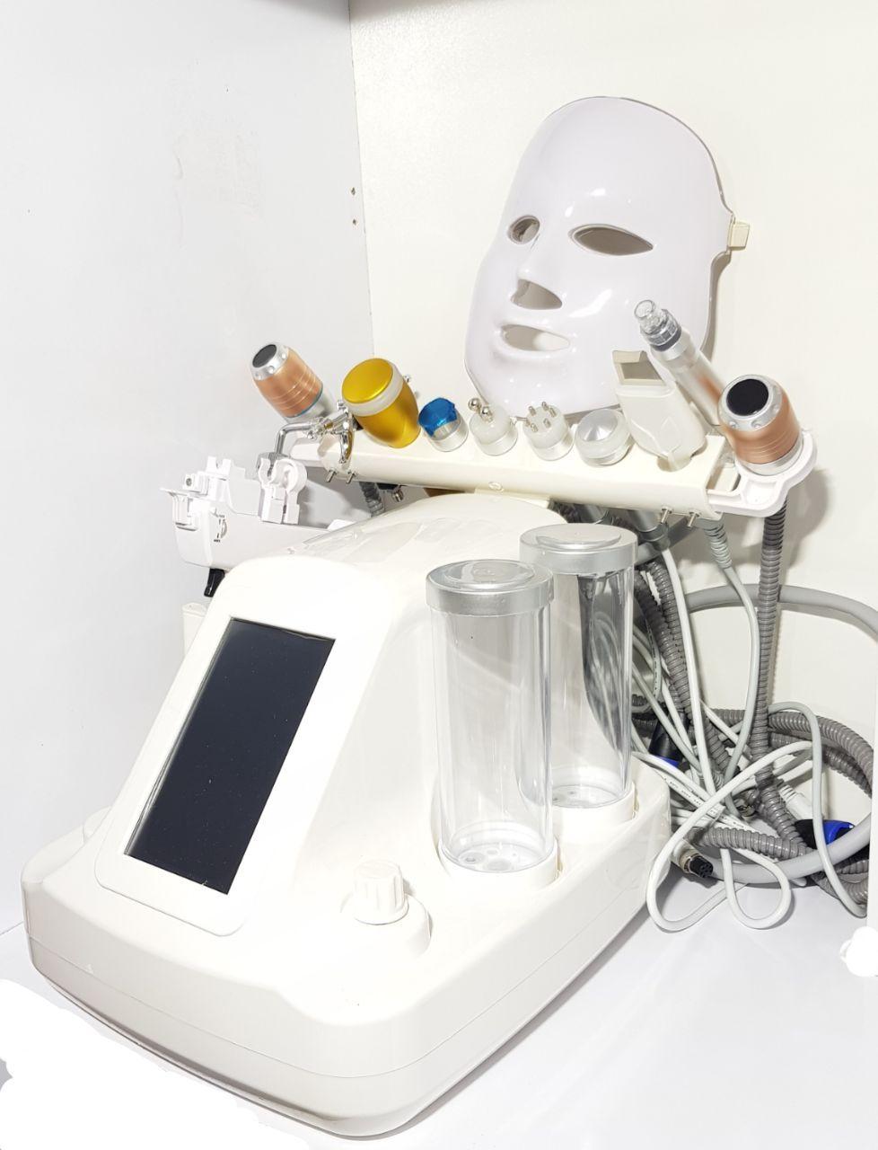دستگاه آکوافیشیال 12 کاره مجهز به هایفو ویمکس و درما اف حسگر